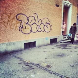 beks #throwup #graffiti – 14K Magazine