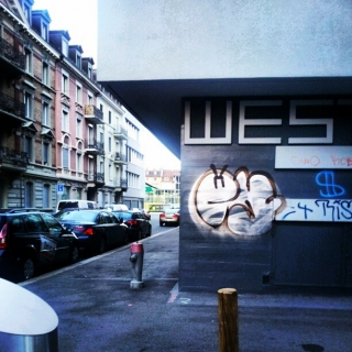 #ey #throwup #graffiti
